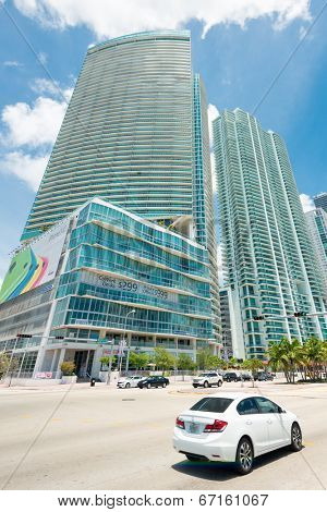 MIAMI,USA - MAY 27,2014 : Skyscrapers and traffic along Biscayne Boulevard in downtown Miami