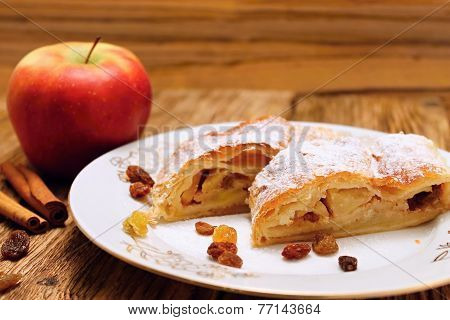 Raisins And Apple Pie