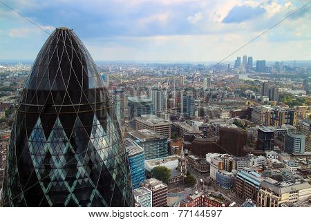 Cityscape with view of Gherkin