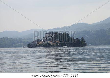 Isola Madra