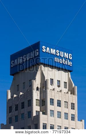 Amsung Mobile Aadvertisement And Logo