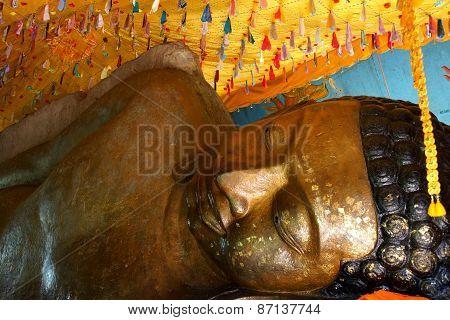 Huge Reclining Buddha Statue