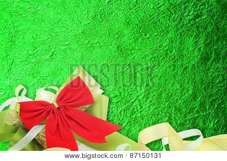 Shiny Green Leaf With Ribbon