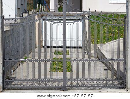 Gate Garage