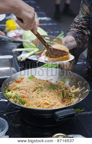Thai Noodles - Cooking