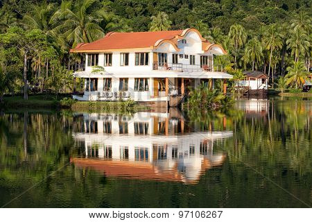 Beautiful Mountain Lake Tropical Resort
