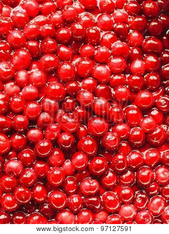 cherries with pits in sugar syrup: cooking cherry jam