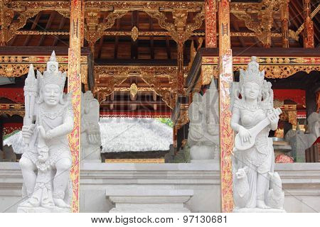 Traditional Balinese Statues