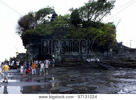 People Around The Tanah Lot Temple