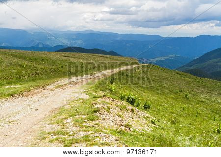 Road in the Lotru mountains