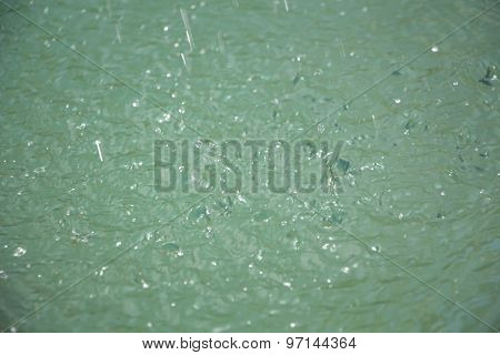 Photo light splashes on the water