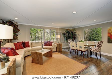 Large Living Room With White Leather Sofas.