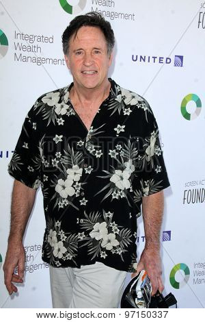 LOS ANGELES - JUN 8:  Robert Hays at the SAG Foundations 30TH Anniversary LA Golf Classi at the Lakeside Golf Club on June 8, 2015 in Toluca Lake, CA