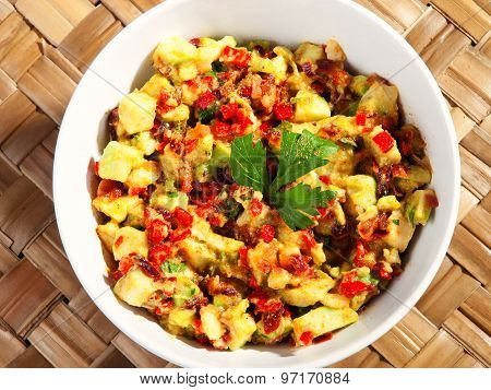 Salad With Avocado And Red Peppers