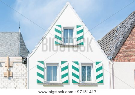 White House Gable