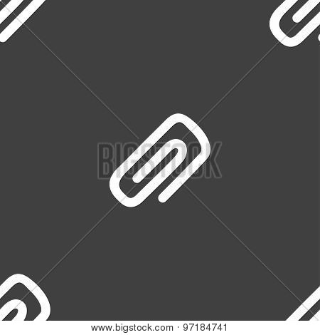 Clip To Paper Icon Sign. Seamless Pattern On A Gray Background. Vector