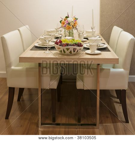 Side View Of Top Wood Dining Table