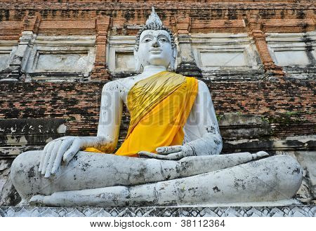 Ancient Thai Buddha Statue
