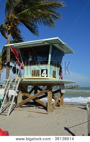 Dania Beach Lifeguard Stand