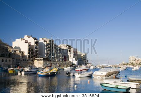 St. Julian\\\'S Harbor Malta Overdevelopment Construction
