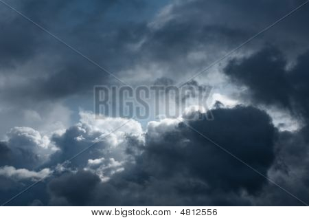 Gloomily Clouds