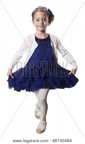 Princesinha dança usando Tiara