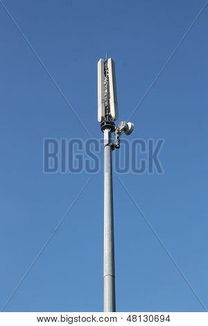 Mobile or cellular phone base station