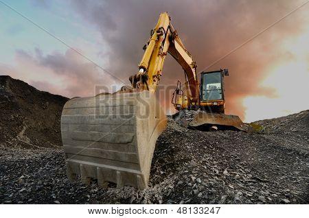 Escavadeira de pedreira