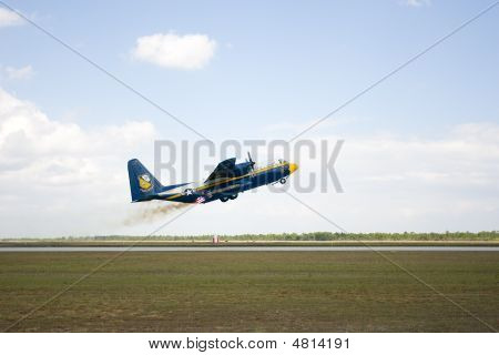 Rocket Power Helps The Blue Angels C130 Get Into The Air