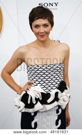 NEW YORK-JUNE 25: Actress Maggie Gyllenhaal attends the premiere of