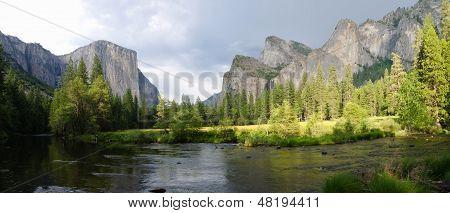 Panoramic view of Merced River in Yosemite