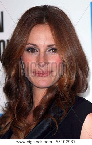 Julia Roberts at The 22nd Annual American Cinematheque Awards honoring Julia Roberts. Beverly Hilton Hotel, Beverly Hills, CA. 10-12-07