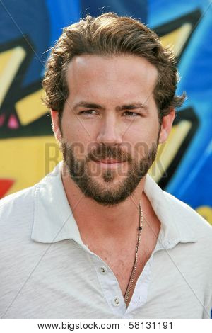 Ryan Reynolds at the 2007 Teen Choice Awards. Gibson Amphitheater, Universal City, CA. 08-26-07