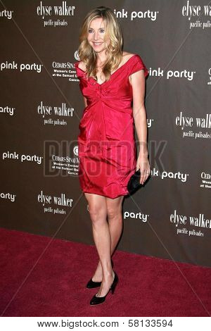 Sarah Chalke at the 3rd Annual Pink Party benefiting Cedars-Sinai Women's Cancer Research Institute. Viceroy Hotel, Santa Monica, CA. 09-08-07