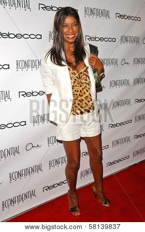Natalie Cole at Los Angeles Confidential Magazine's Annual Emmy Party.  One Sunset, West Hollywood, CA. 09-11-07