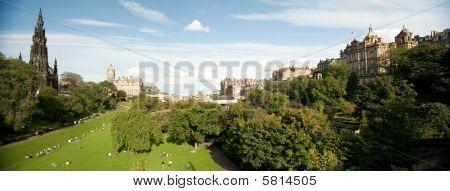 East Princes Street Gardens Skyline, Edinburgh, Scotland, Uk