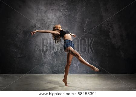 Fashionable modern dance