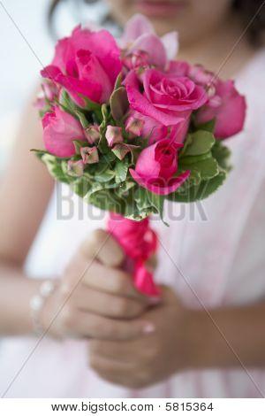ramo de flores niña