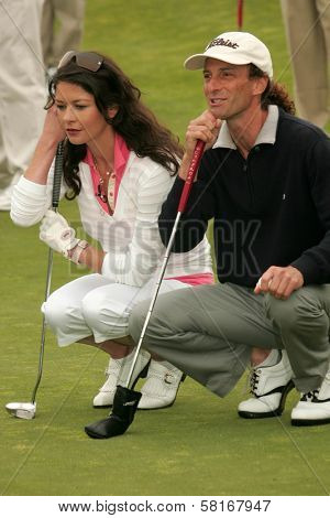 Catherine Zeta-Jones and Kenny G at The 9th Annual Michael Douglas and Friends Celebrity Golf Event. Trump National Golf Club, Rancho Palos Verdes, CA. 04-29-07