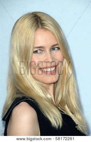 Claudia Schiffer at the 2007/2008 Chanel Cruise Show Presented by Karl Lagerfeld. Hanger 8, Santa Monica, CA. 05-18-07