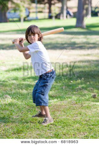 cute little Boy spielen baseball