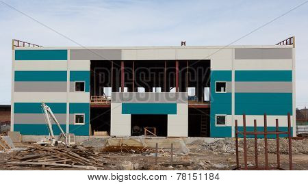 Building A Swimming Pool. Facade