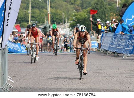 Sarah Groff, Cycling In The Transition Zone