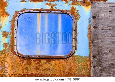 Colorful Rust Structures