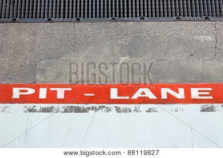 Pit Lane Line