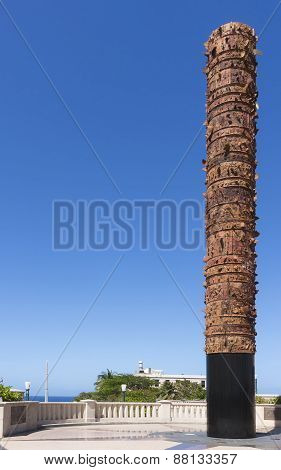 Totem Te Lurico Statue At Plaza De V Centenario.