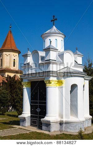 Small religious building at Saint Nicholas Church in Brasov , Transilvania