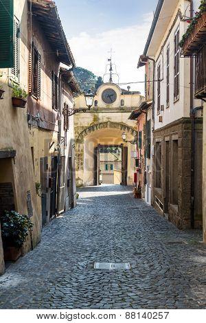 Porta Maggiore In Corso Umberto I - Anguillara Sabazia (italy)