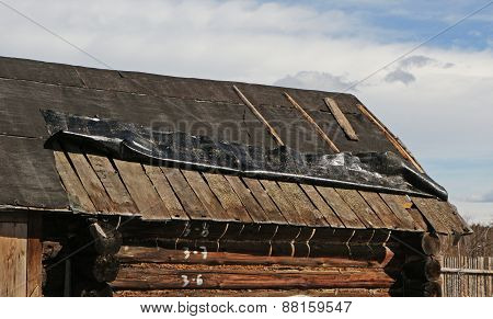 Old Roof Needs To Be Repaired