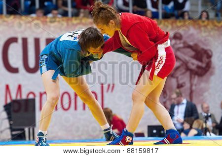 Shorena Sharadze (r) And Katsiaryna Prakapenka (b) Fights